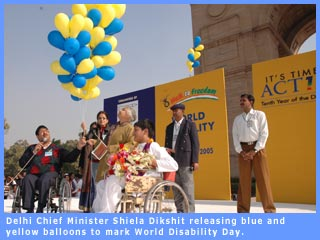 Picture of Delhi Chief Minister Shiela Dikshit at WDD celeberations
