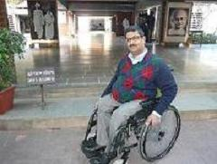 Javed Abidi outside Sabarmati Ashram